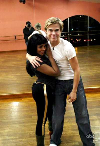 Lil' Kim and Derek Hough in rehearsal